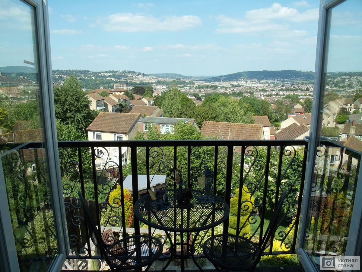 """Фотообои """"балкон с видом на старый город"""" - арт. 120069 купи."""
